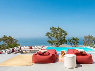 Santorini Heights | Vine Suite w Private Heated Pool + BR