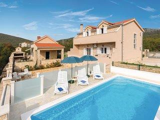 3 bedroom Villa in Gizdavac, Splitsko-Dalmatinska Zupanija, Croatia : ref 568667