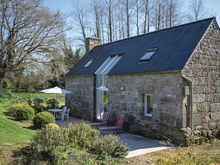 2 bedroom Villa in Kerlouzouen, Brittany, France : ref 5538871