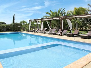 2 bedroom Apartment in Medronhal, Faro, Portugal : ref 5656574