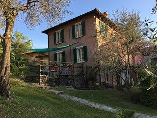 villa zina casale nel verde sulle rive del lago di Como   COD. 097023-CNI-00103