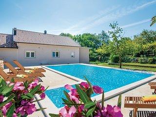 4 bedroom Villa in Krivodol, Splitsko-Dalmatinska Zupanija, Croatia : ref 568666