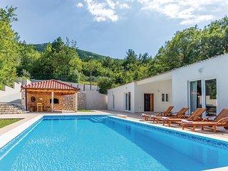 3 bedroom Villa in Svinišće, Splitsko-Dalmatinska Županija, Croatia : ref 568665