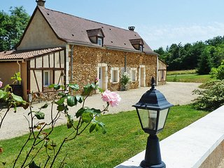 6 bedroom Villa in Saint-Julien-de-Crempse, Nouvelle-Aquitaine, France : ref 568