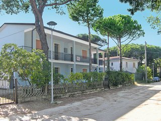 2 bedroom Apartment in Rosolina Mare, Veneto, Italy : ref 5434592