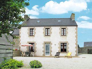 3 bedroom Villa in Cleder, Brittany, France : ref 5438070