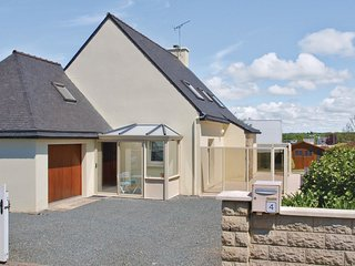 4 bedroom Villa in Saint-Quay-Perros, Brittany, France : ref 5565455