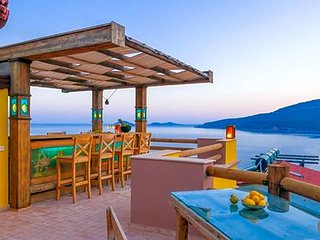 Kalkan Villa Sleeps 12 with Air Con and WiFi - 5433503
