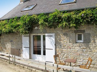 2 bedroom Villa in Kerzéan, Brittany, France - 5438315