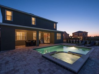 Comfortable 6 Bedrooms Home with BBQ & Games near Disney at Encore Club