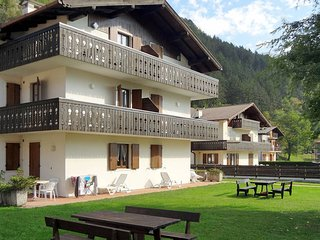 2 bedroom Apartment in Bezzecca, Trentino-Alto Adige, Italy : ref 5570318