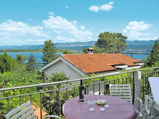 2 bedroom Villa in Dobrinj, Primorsko-Goranska Županija, Croatia : ref 5440194