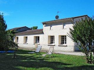 4 bedroom Villa in Gaillan-en-Medoc, Nouvelle-Aquitaine, France - 5434842