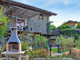 2 bedroom Apartment in Colico, Lombardy, Italy - 5436575