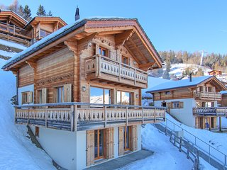 Chalet Petit Sapin in La Tzoumaz, Ski-in Ski-Out - 10 persons, 5 bedrooms