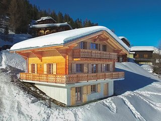 Chalet Le Chapeau - Very spacious chalet with large rooms - accessible by ski