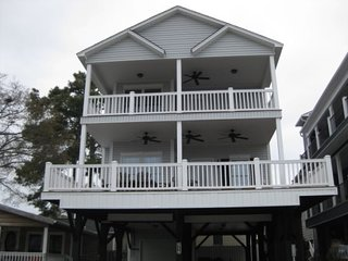 Ocean Lakes S 16 (4 Bedroom) Offers Great Fishing Overlooking a Lake