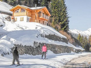Chalet Ard - Ski-in & ski-out luxury chalet with sauna, directly on the piste
