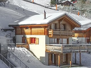 Chalet Sapin Argente - with 5 bedrooms, ski-in and ski-out, right in the resort