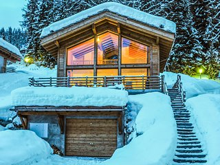 Chalet Anna for 8 people , a short walk to the pistes