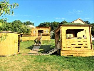 Gîte 2/ 8 pers. bain nordique chauffé toute l'année+sauna infrarouge +piscine