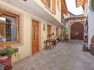 2 bedroom Villa in Ballabio, Lombardy, Italy - 5606257