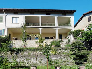 3 bedroom Apartment in Porto Valtravaglia, Lombardy, Italy : ref 5440971