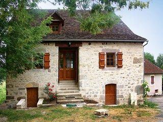 3 bedroom Villa in La Chapelle-aux-Saints, Nouvelle-Aquitaine, France : ref 5515