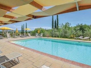2 bedroom Apartment in Le Mura, Tuscany, Italy : ref 5545665