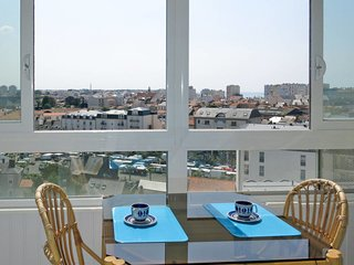2 bedroom Apartment in Les Sables-d'Olonne, Pays de la Loire, France : ref 56508