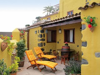 1 bedroom Villa with WiFi and Walk to Shops - 5638089