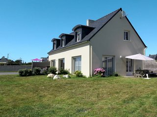 2 bedroom Villa in Plounévez-Lochrist, Brittany, France : ref 5653208