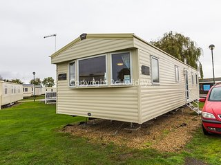 8 Berth caravan with double glazing. At The Orchards Holiday Park. REF15050PL