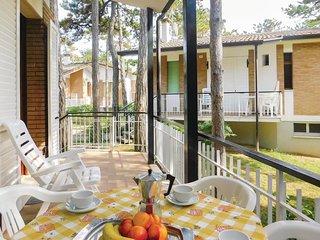 3 bedroom Villa in Lignano Sabbiadoro, Friuli Venezia Giulia, Italy : ref 568667