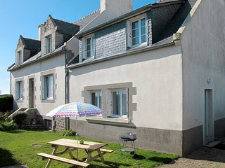 2 bedroom Apartment in Roscoff, Brittany, France : ref 5438384
