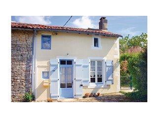 1 bedroom Villa in Paizay-Naudouin-Embourie, Nouvelle-Aquitaine, France : ref 55