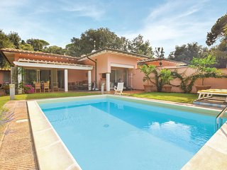 3 bedroom Villa in Punta Ala, Tuscany, Italy - 5686650