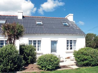 3 bedroom Villa in Plozevet, Brittany, France : ref 5438354