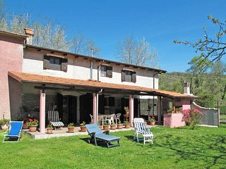 2 bedroom Villa in Pontebosio, Tuscany, Italy : ref 5447755