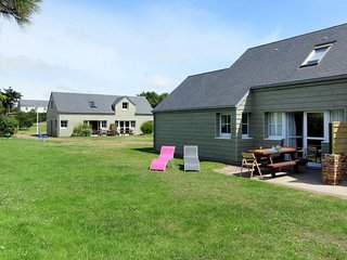 3 bedroom Apartment in Créances, Normandy, France - 5654272