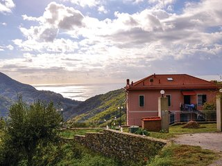 3 bedroom Apartment in Bracco, Liguria, Italy : ref 5541173