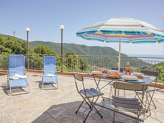 1 bedroom Apartment in Bracco, Liguria, Italy : ref 5548928