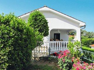 3 bedroom Apartment in Dobrinj, Primorsko-Goranska Županija, Croatia : ref 54401