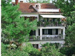 3 bedroom Apartment in Malinska, Primorsko-Goranska Županija, Croatia : ref 5440