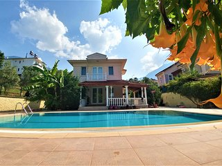 Ilker - SoloVilla perfect location for holiday
