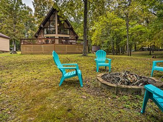NEW! Cozy Dover Home w/Boat Dock, Fire Pit & Deck!