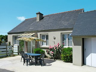 2 bedroom Villa in Plouescat, Brittany, France : ref 5438264