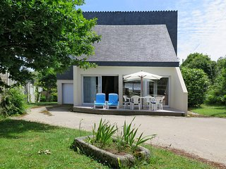 2 bedroom Villa in Plougonvelin, Brittany, France : ref 5438252