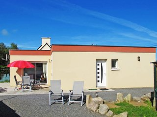 2 bedroom Villa in Kerlouan, Brittany, France : ref 5438162