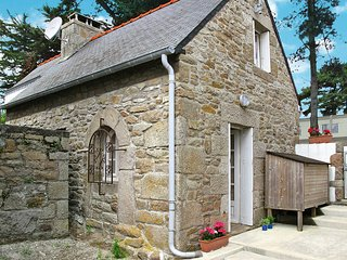 2 bedroom Villa in Pleumeur-Bodou, Brittany, France : ref 5436247